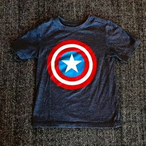 Old navy avengers T-shirt size 4T